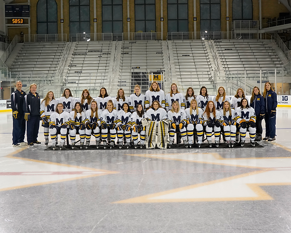 Team photo 21-22.png