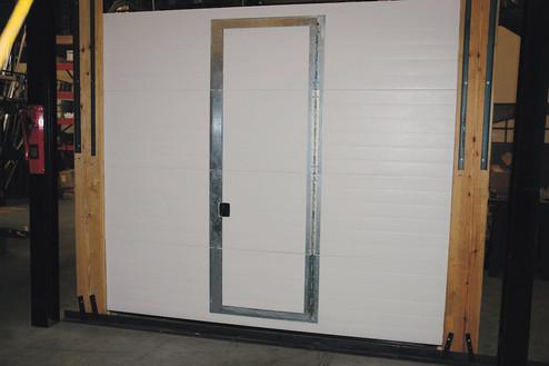 Amarr 2742 with Pass Door