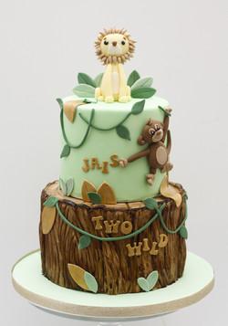 lion monkey tree trunk bark effect cake