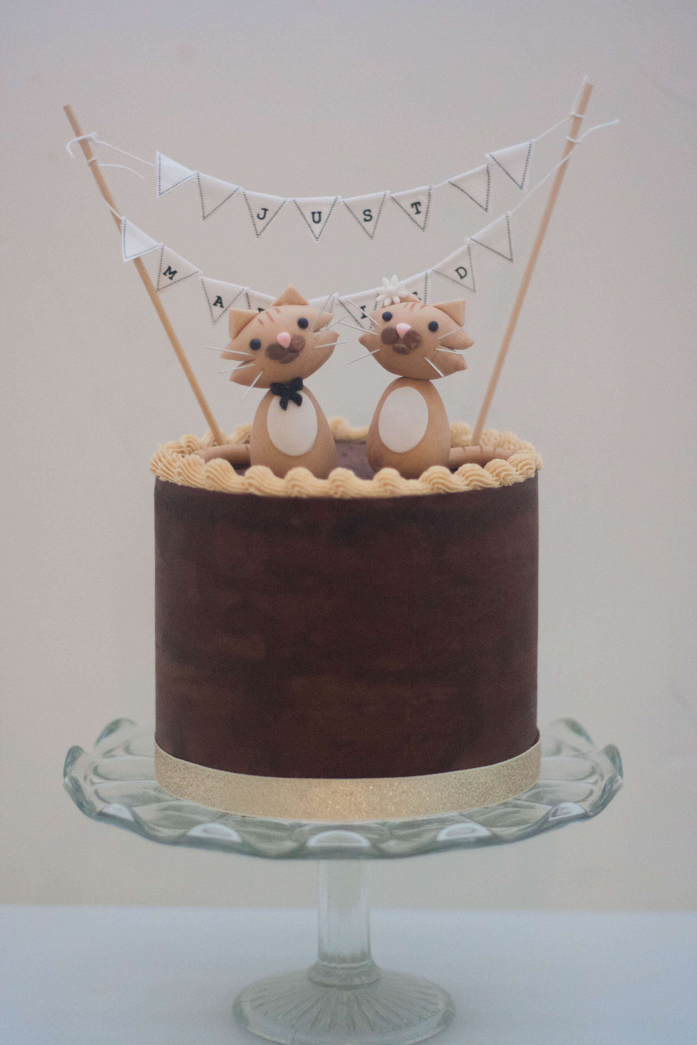 choc peanut ganache vegan wedding cake c