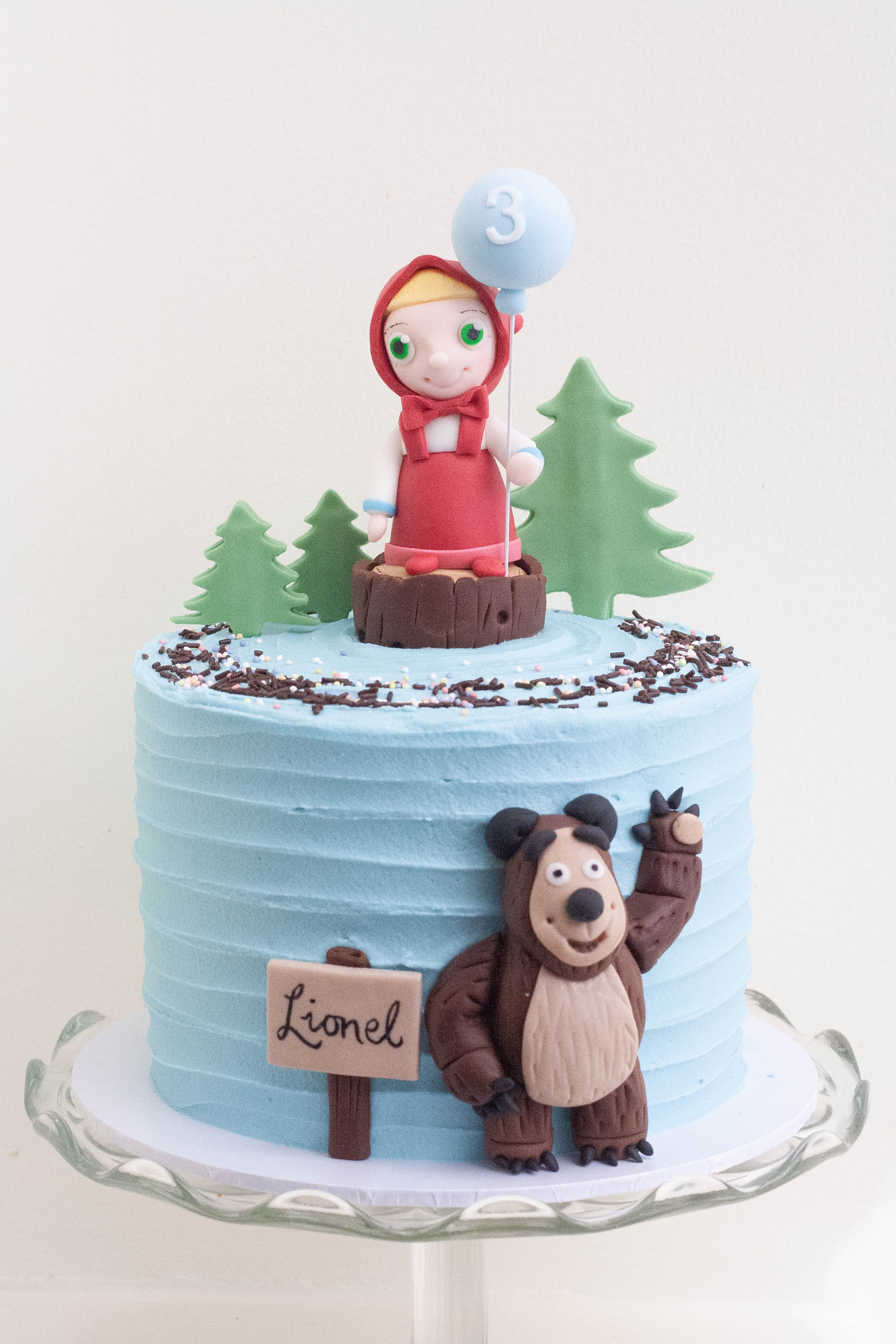 Masha and bear cake vegan