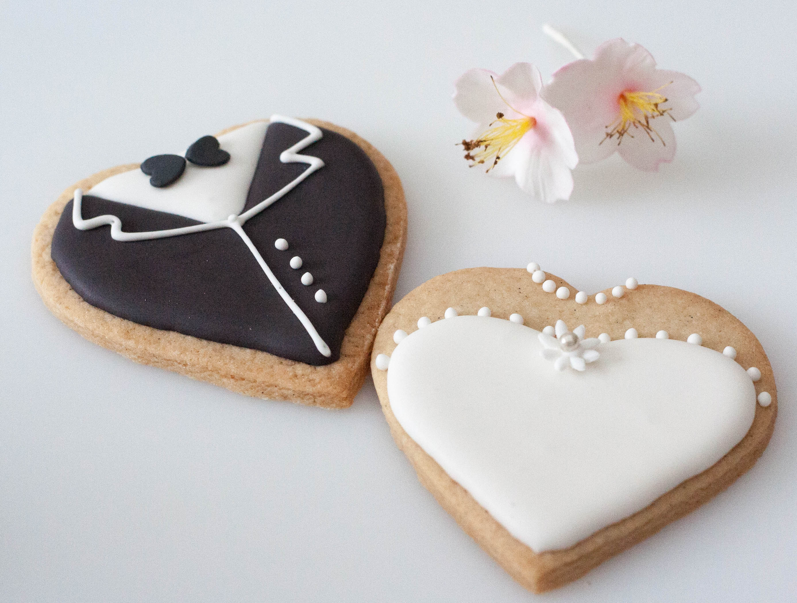 bride and groom cookies vegan