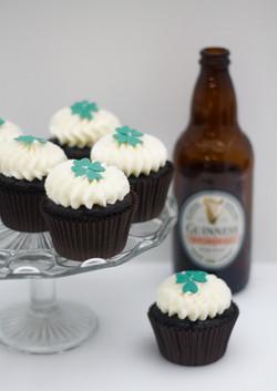 Guinness cupcakes bottle