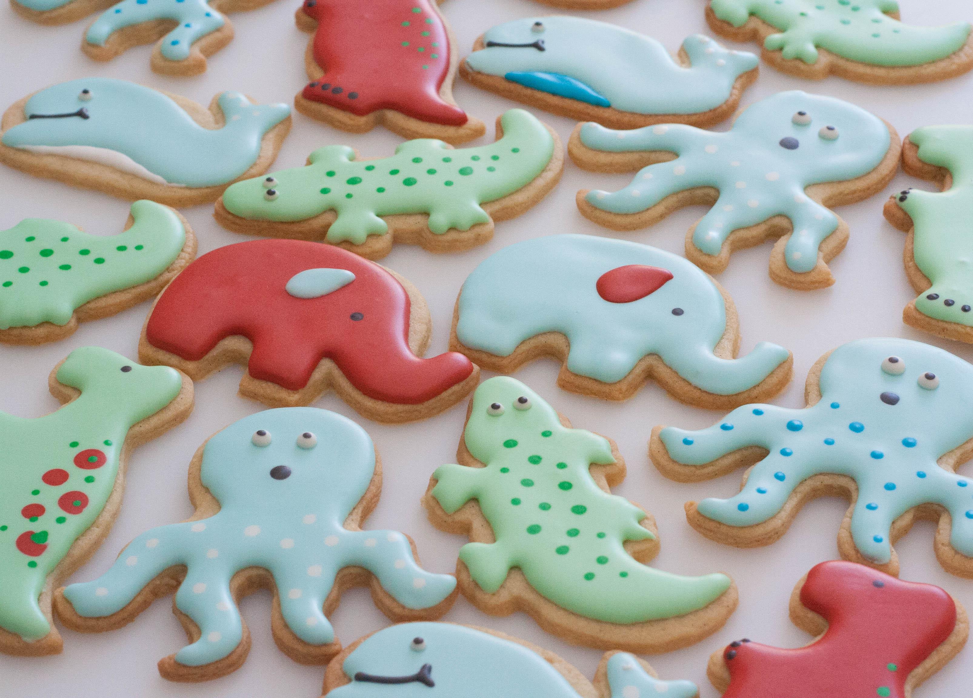 vegan animal cookies red blue green2