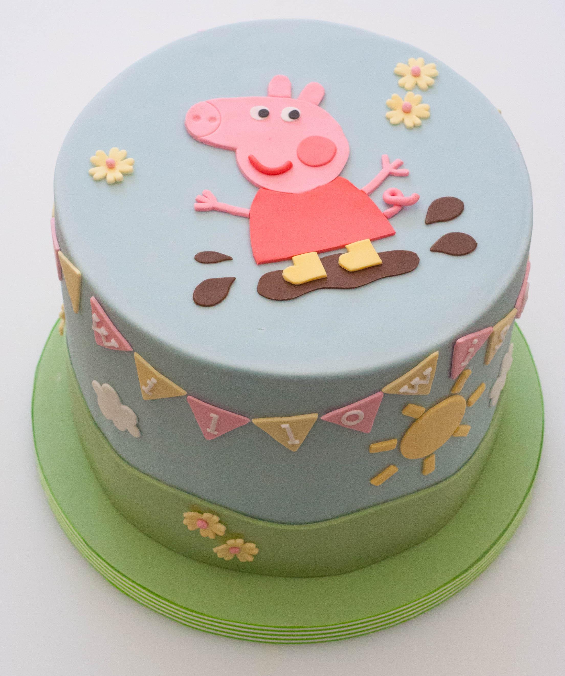 Peppa Pig vegan cake
