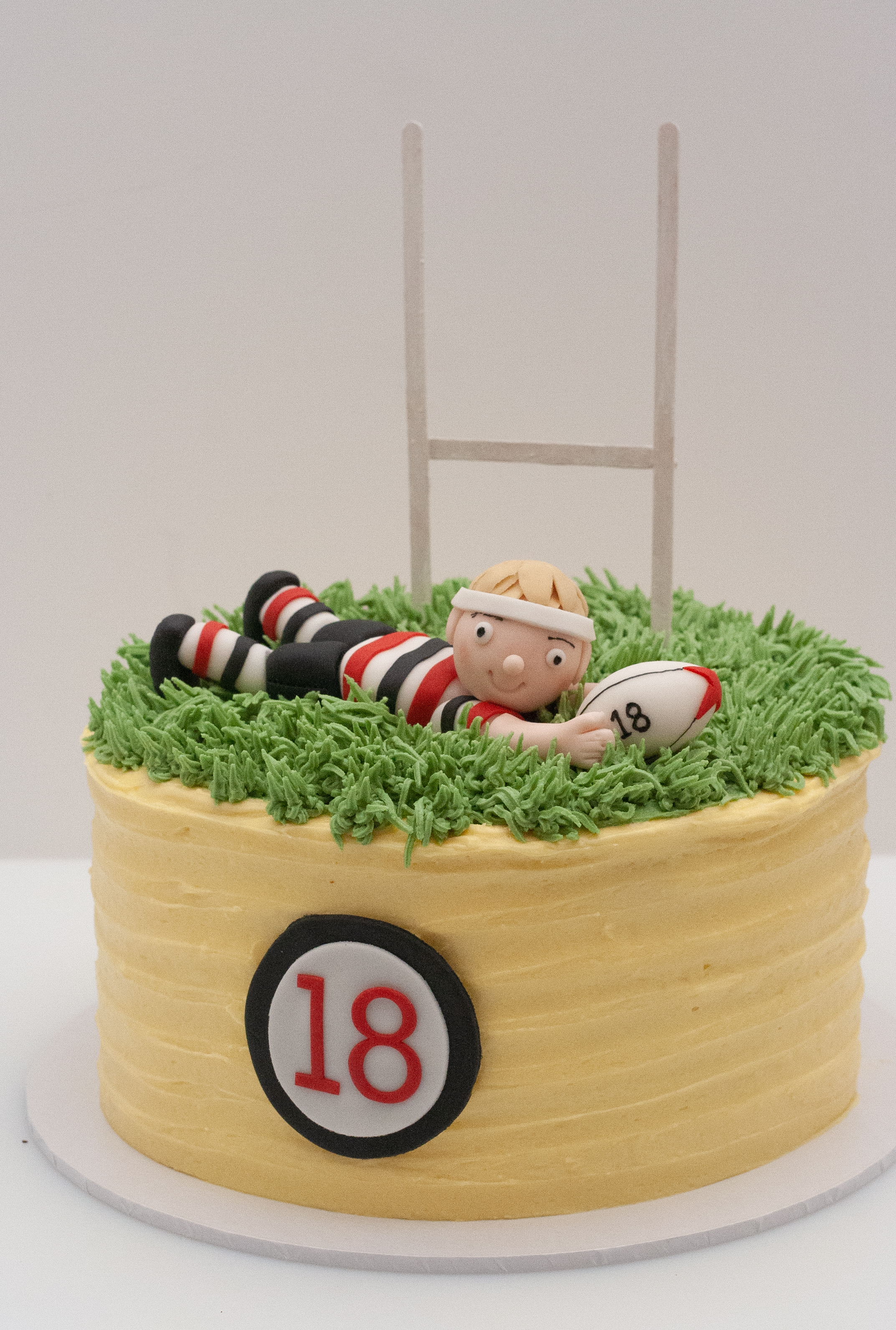 rugby player mango cake