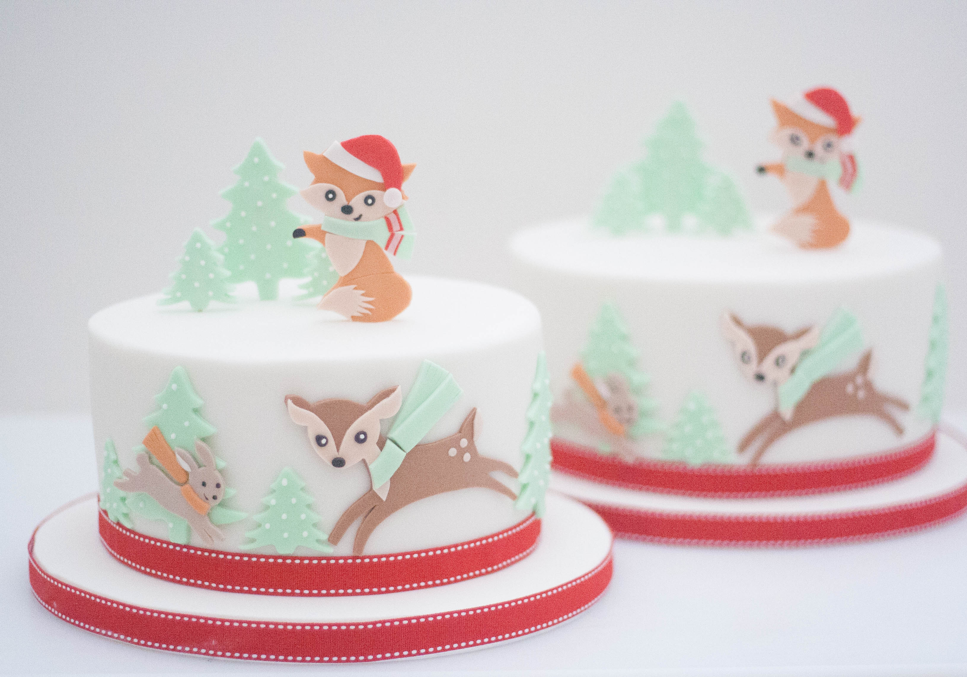 christmas cakes fox deer rabbit