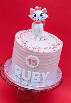 Marie cat aristocat cake