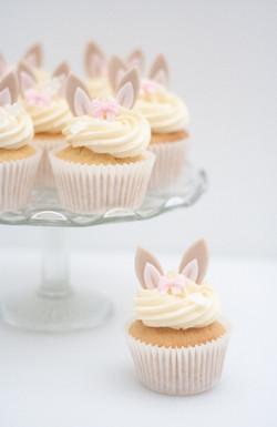 rabbit ears cupcakes