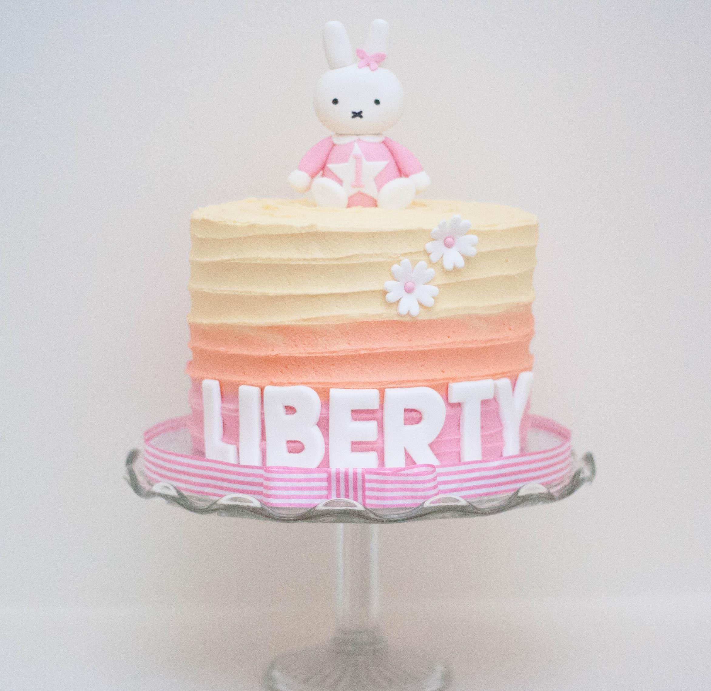 Miffy ombre cake vegan