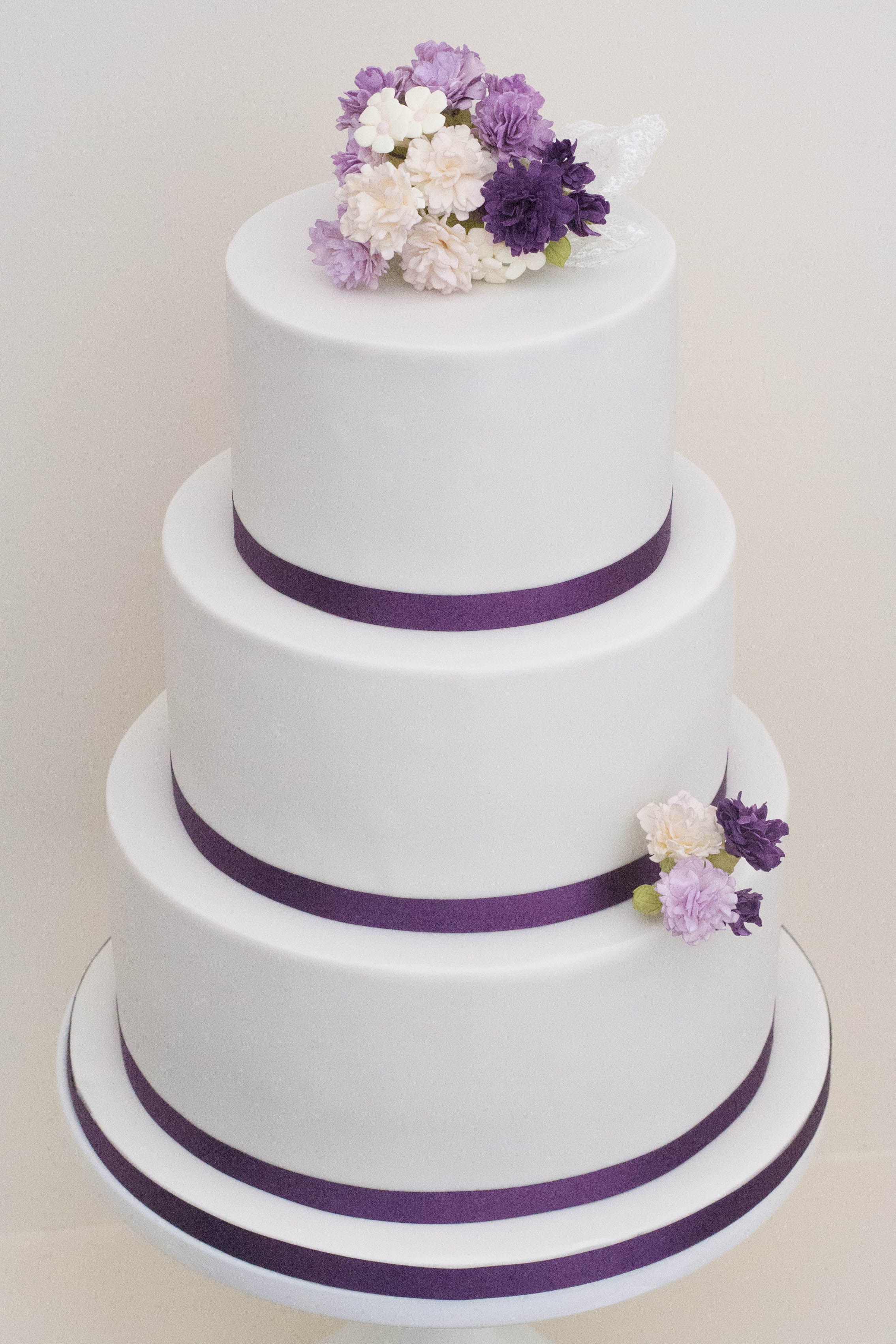carnation purple wedding cake vegan