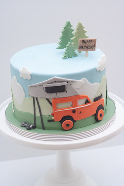 Land Rover tent cake