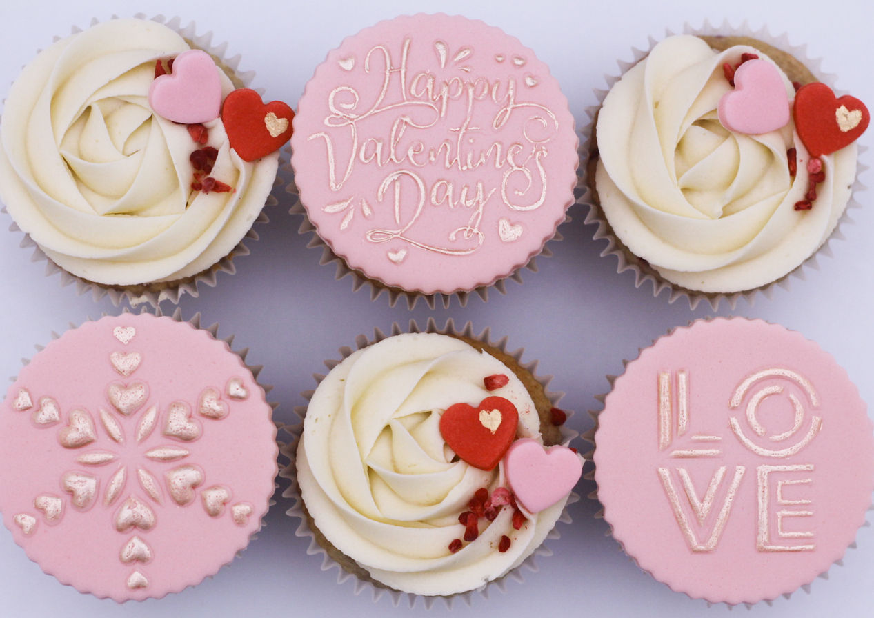 Valentine raspberry & white chocolate cupcakes