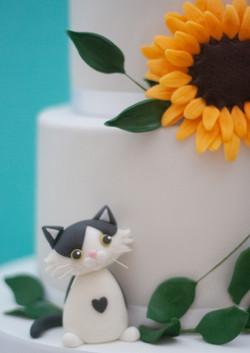 two tier wedding cake sunflower cat foli