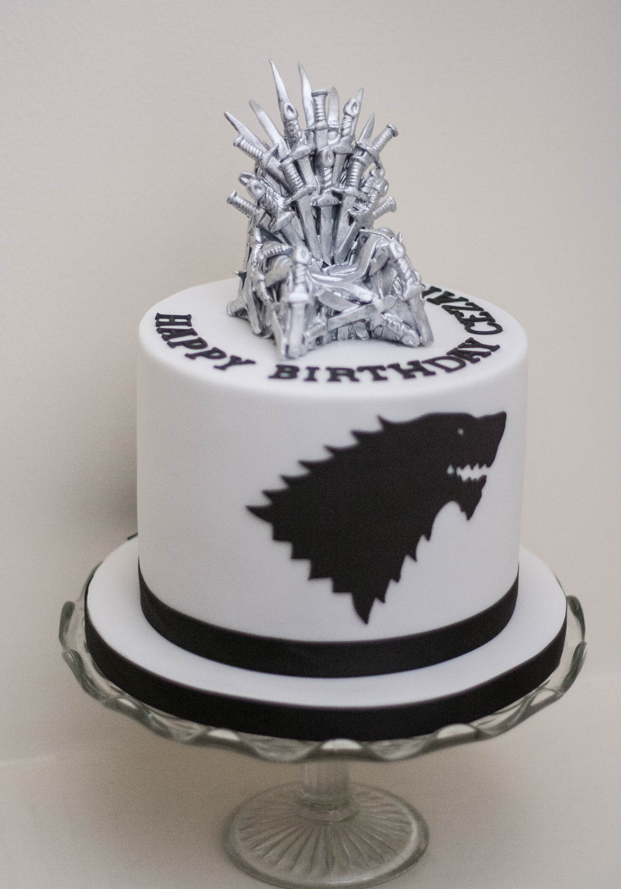 Game of Thrones cake vegan