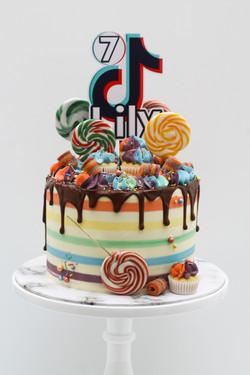 Tiktok rainbow stripe cake