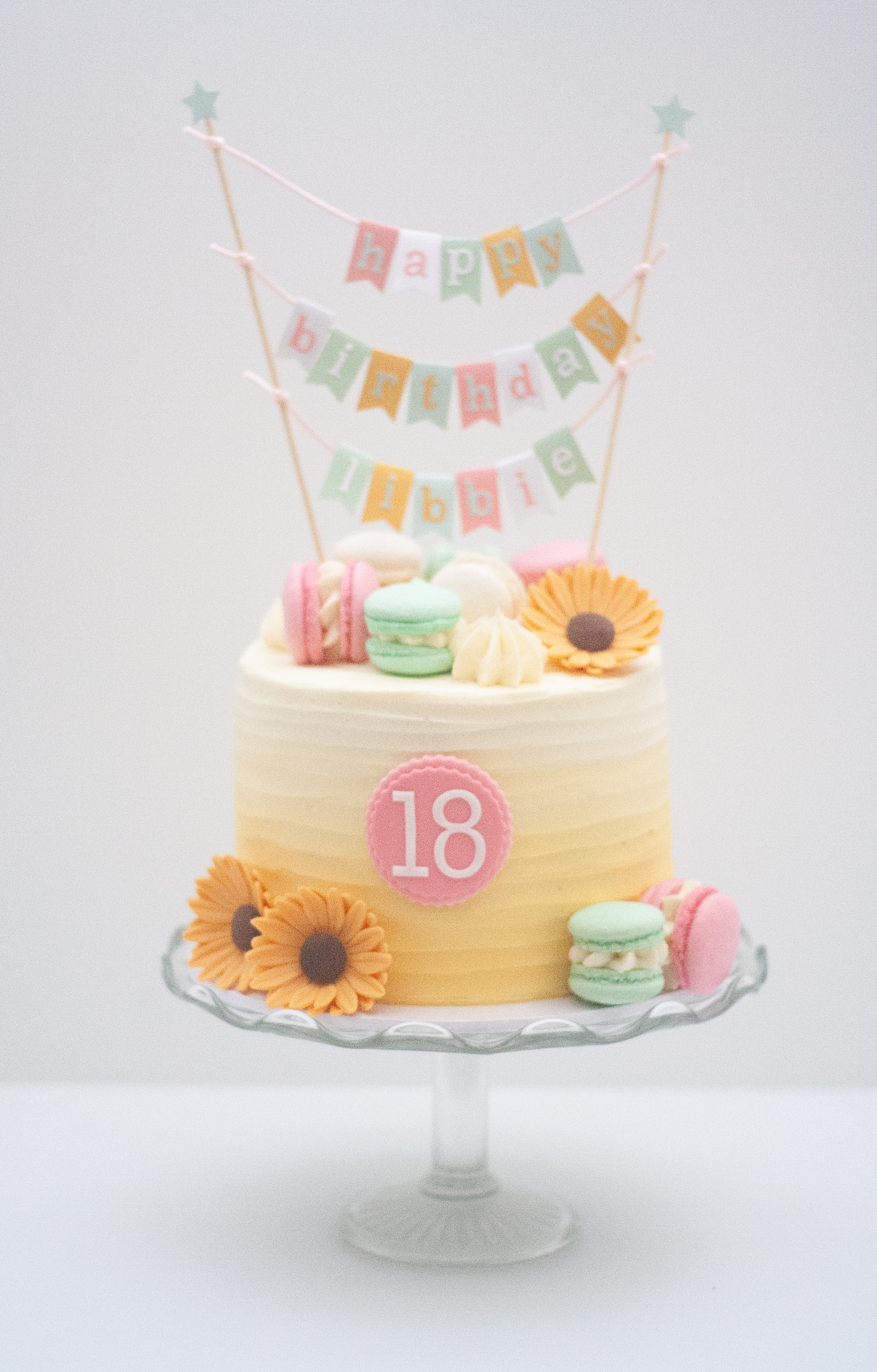 yellow ombre sunflowers macarons bunting