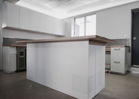 kitchen_ b