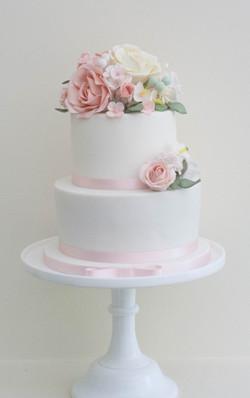 two tier sugar flowers cake_-2