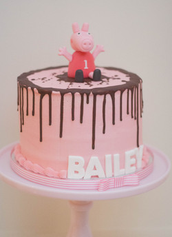 Peppa frosted cake vegan