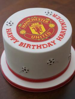 Man Utd football vegan cake