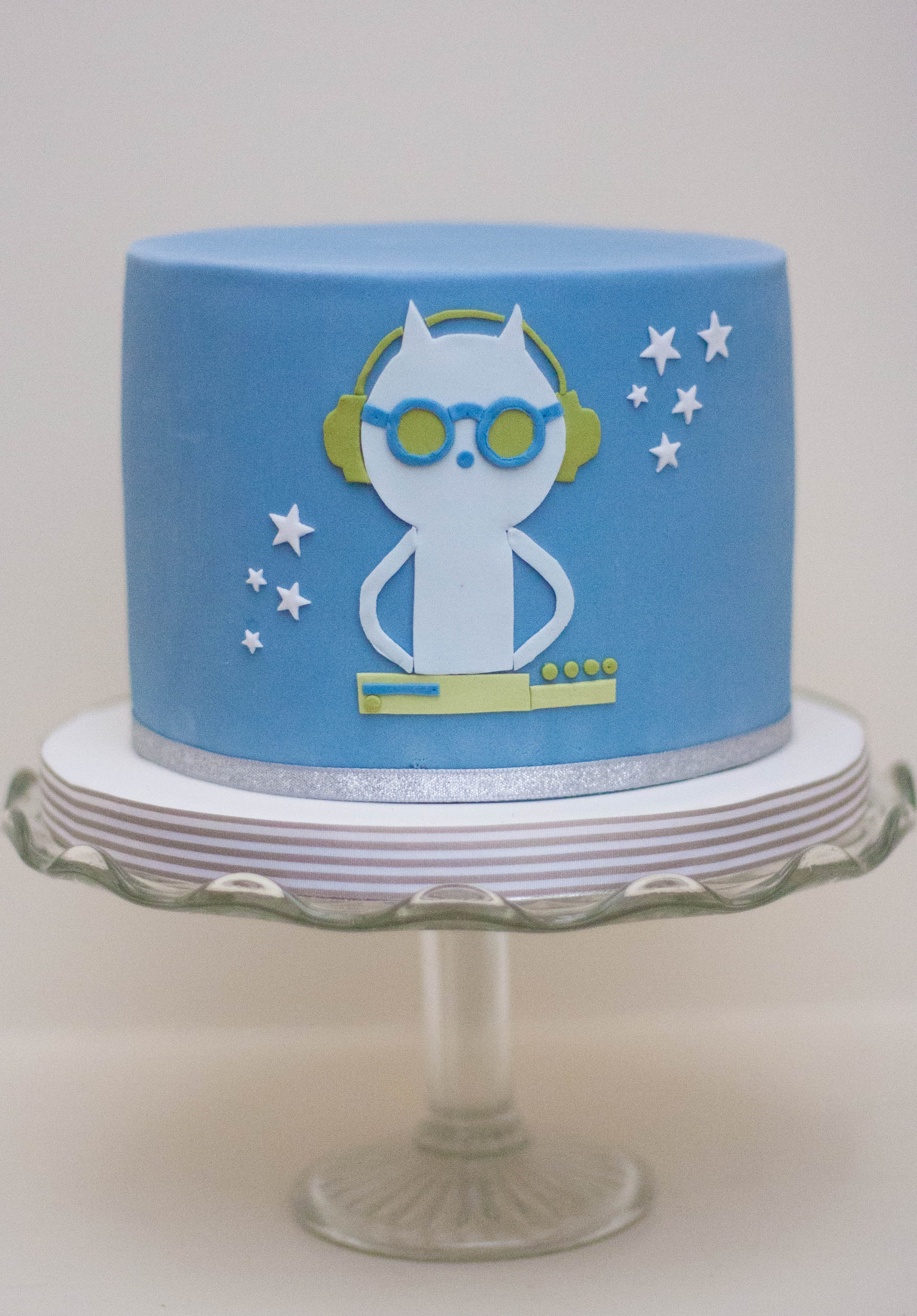 cat DJ vegan cake