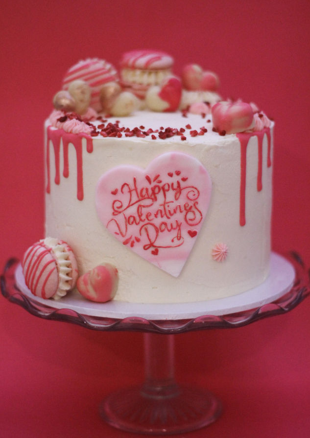Valentine white chocolate and raspberry cak