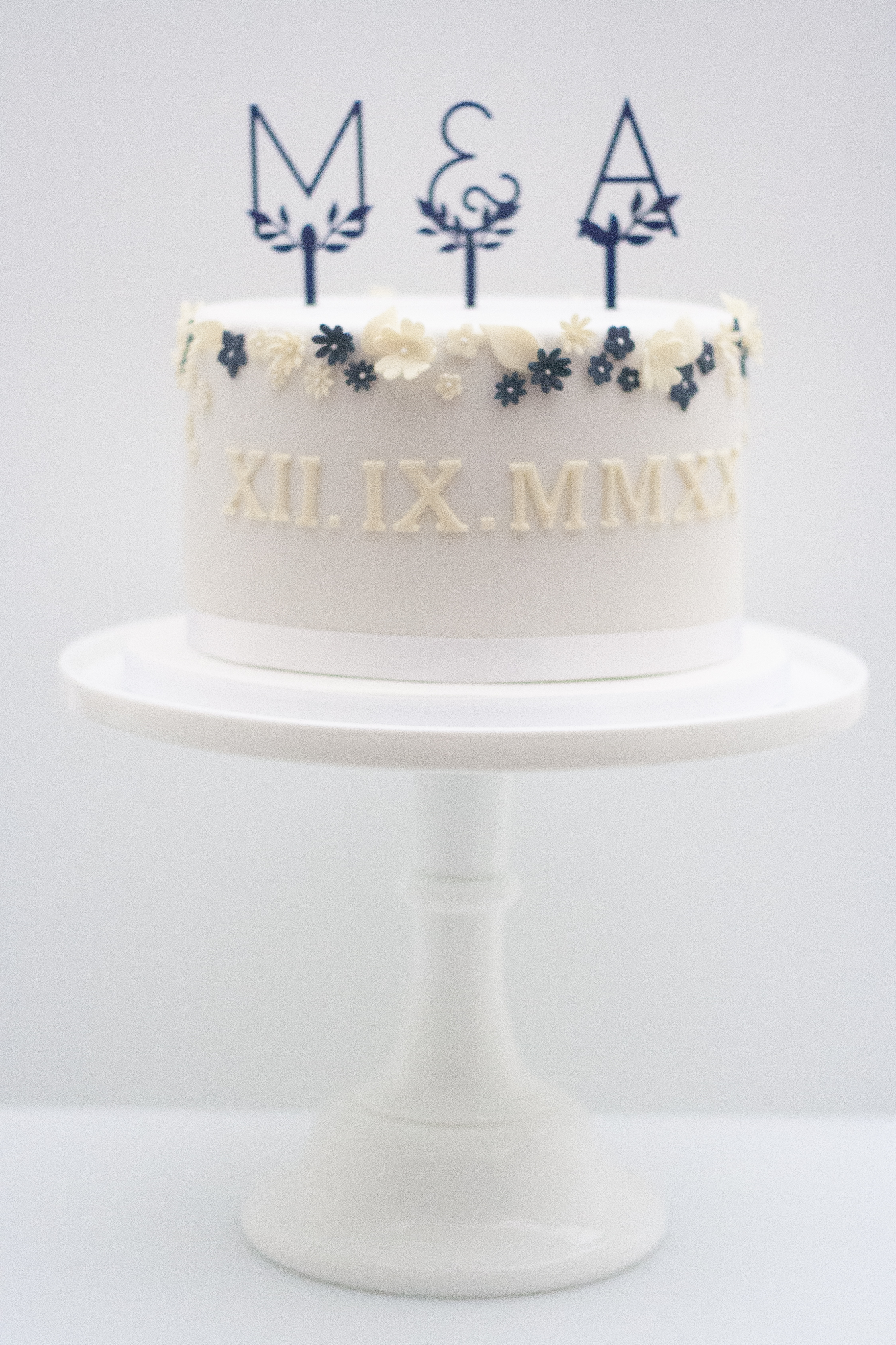 one tier wedding cake navy lemon blossom