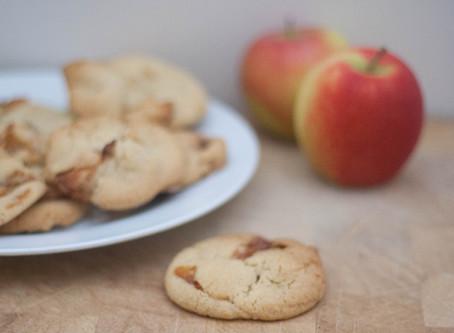 Vegan toffee apple cookies