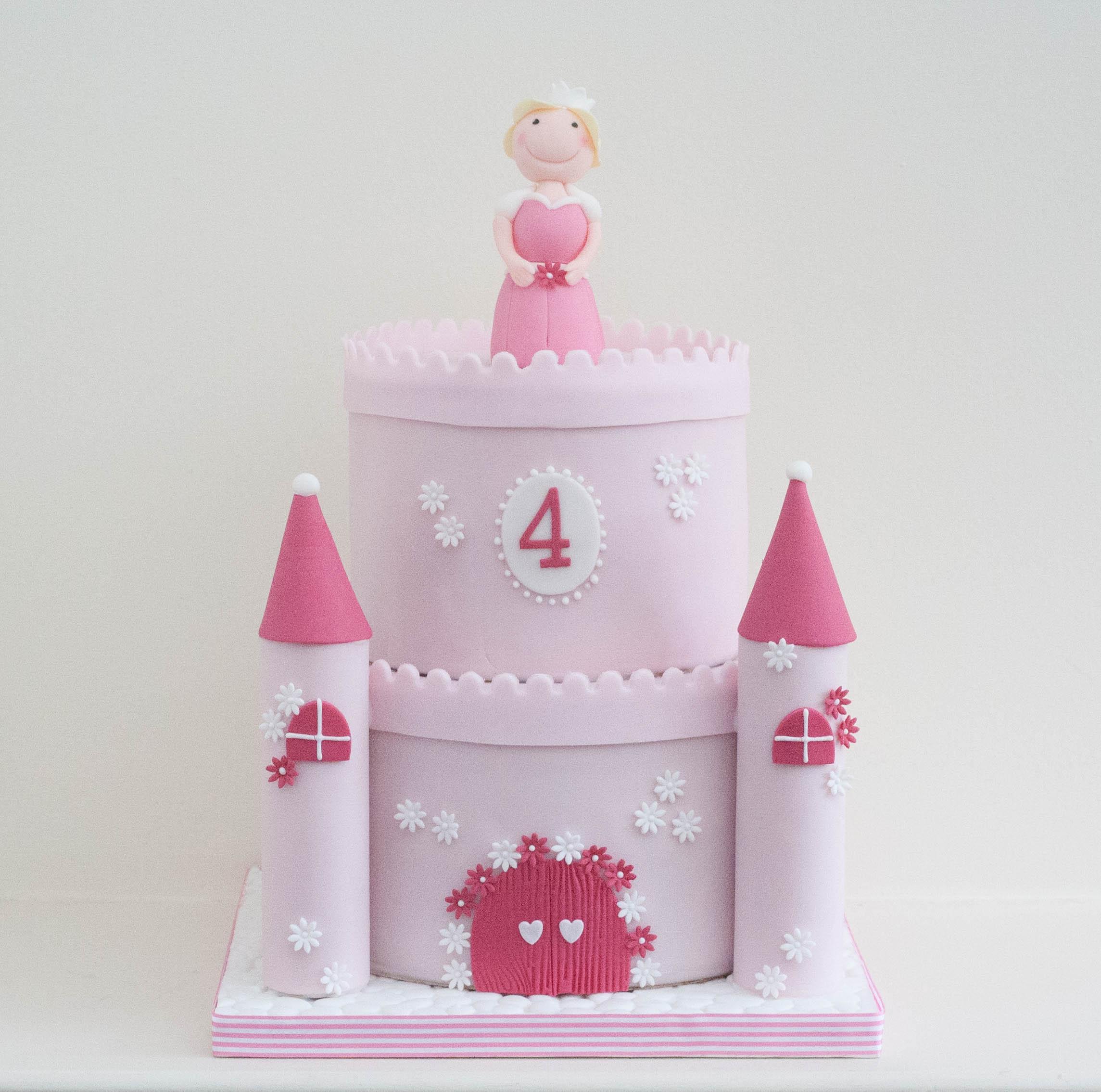princess castle cake vegan