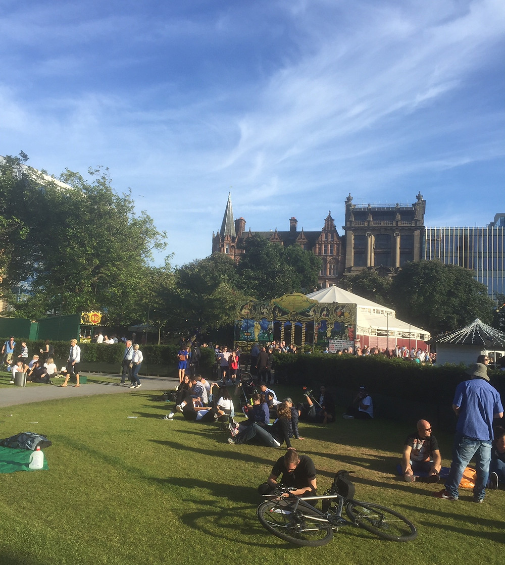 St Andrews Square in the sun