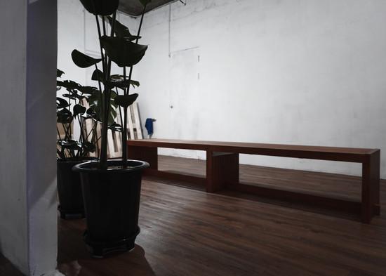 bench_ d