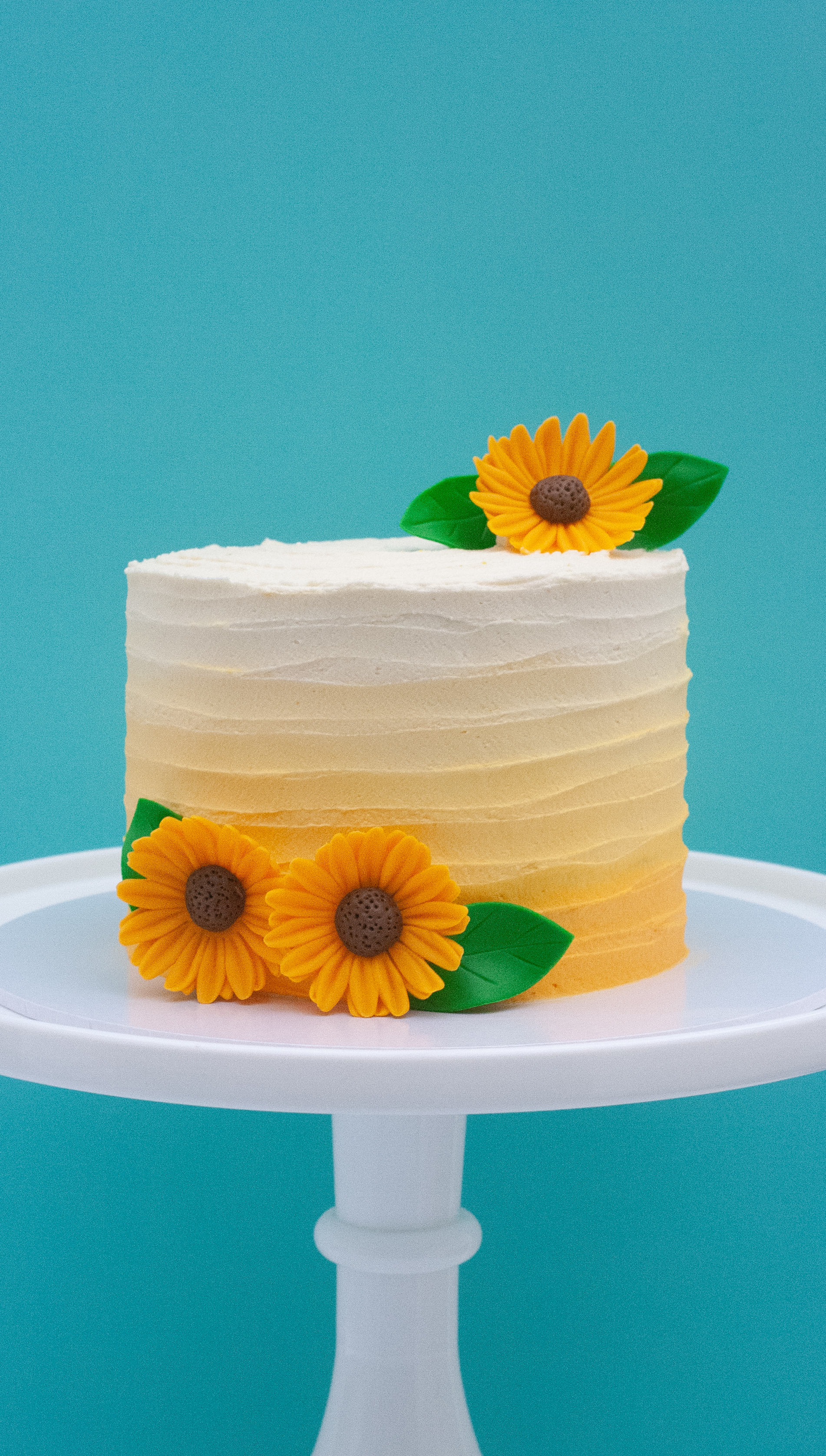 sunflower yellow ombre cake