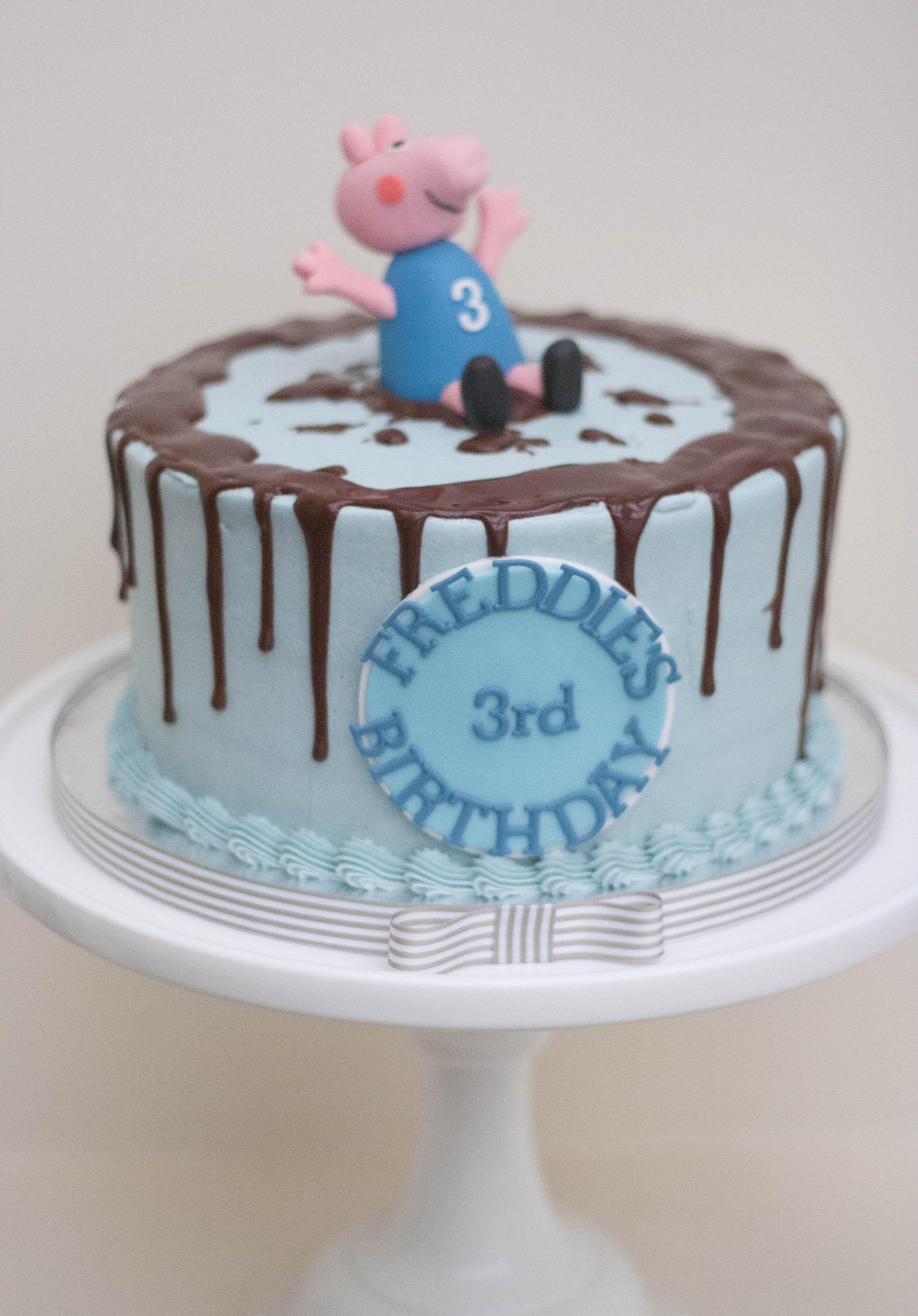 George pig blue frosted vegan cake