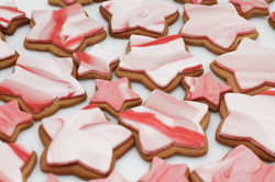 marbled pink star cookies