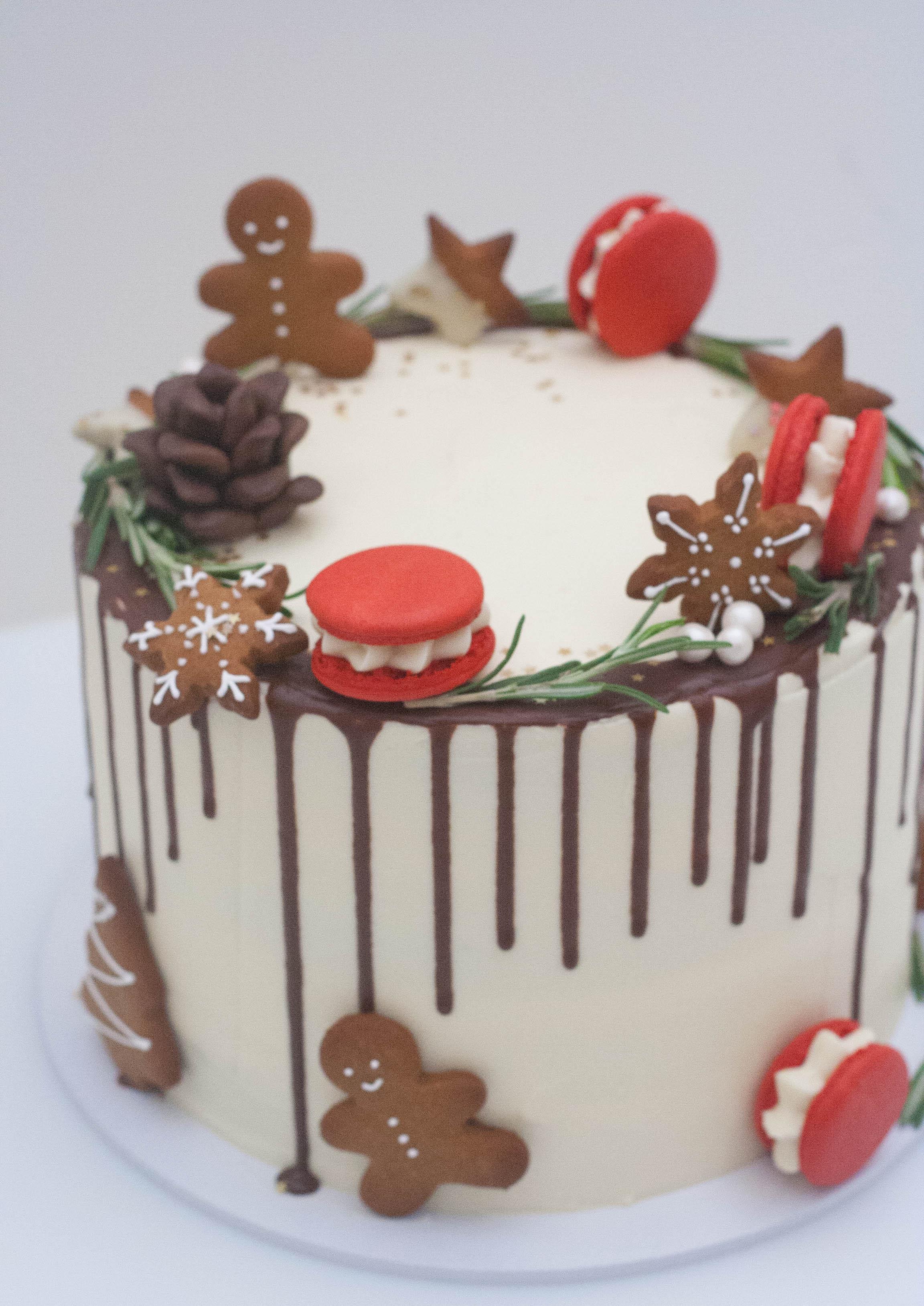 Christmas chocolate cake vegan