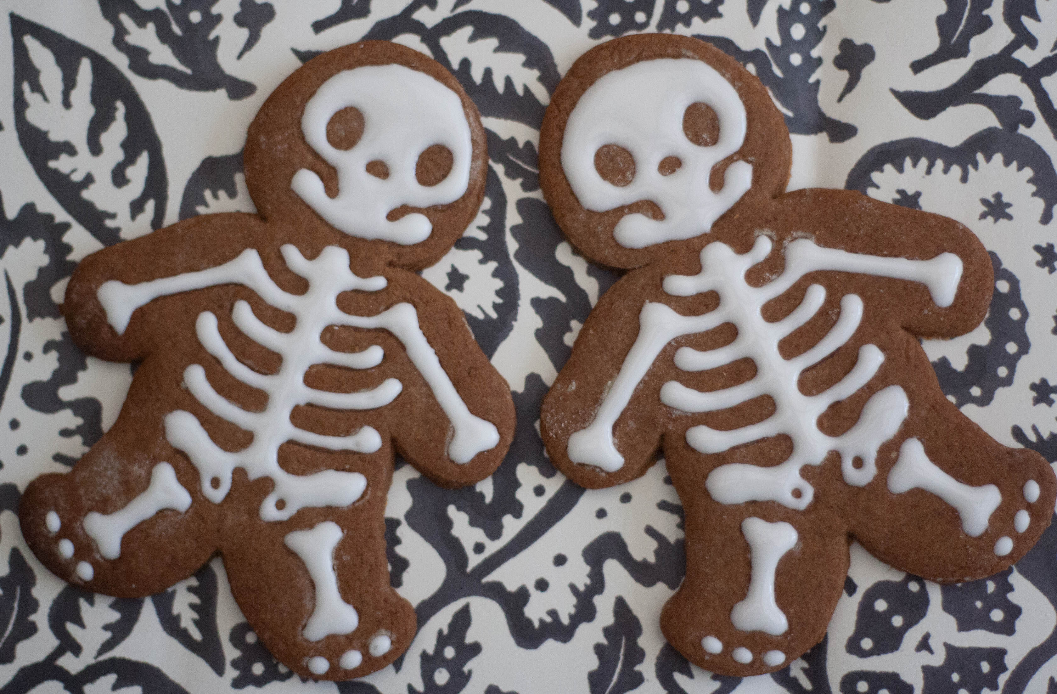 gingerbread skeletons vegan