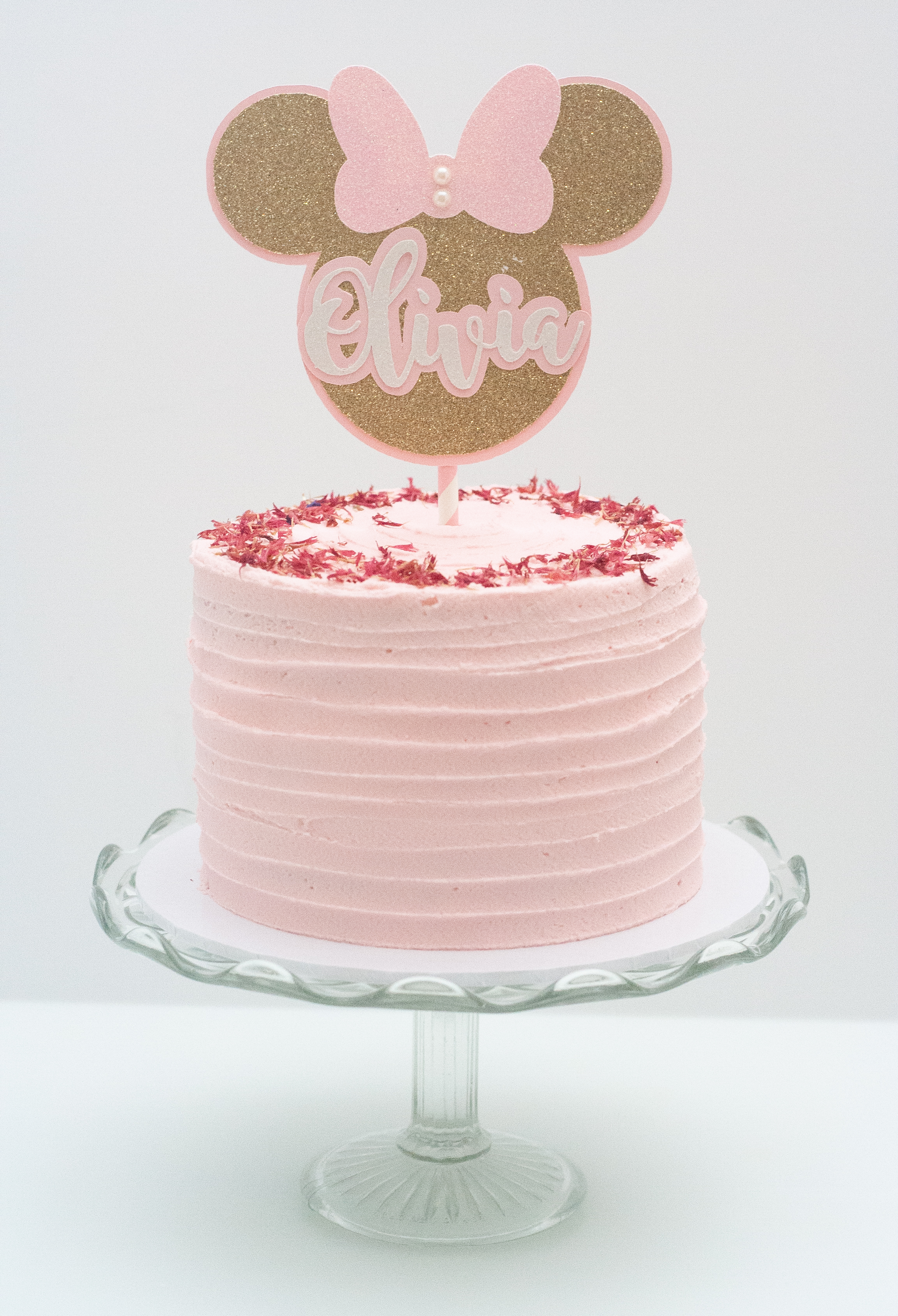 Minnie Mouse topper cake