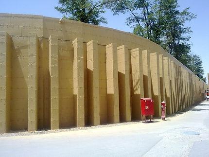 Installation of Dynablok Wall