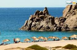 pachia-ammos-beach-umbrellas