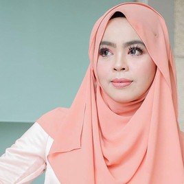 Getting To Know Iena Eliena – Malaysia's Exuberant Blogger On The Rise!
