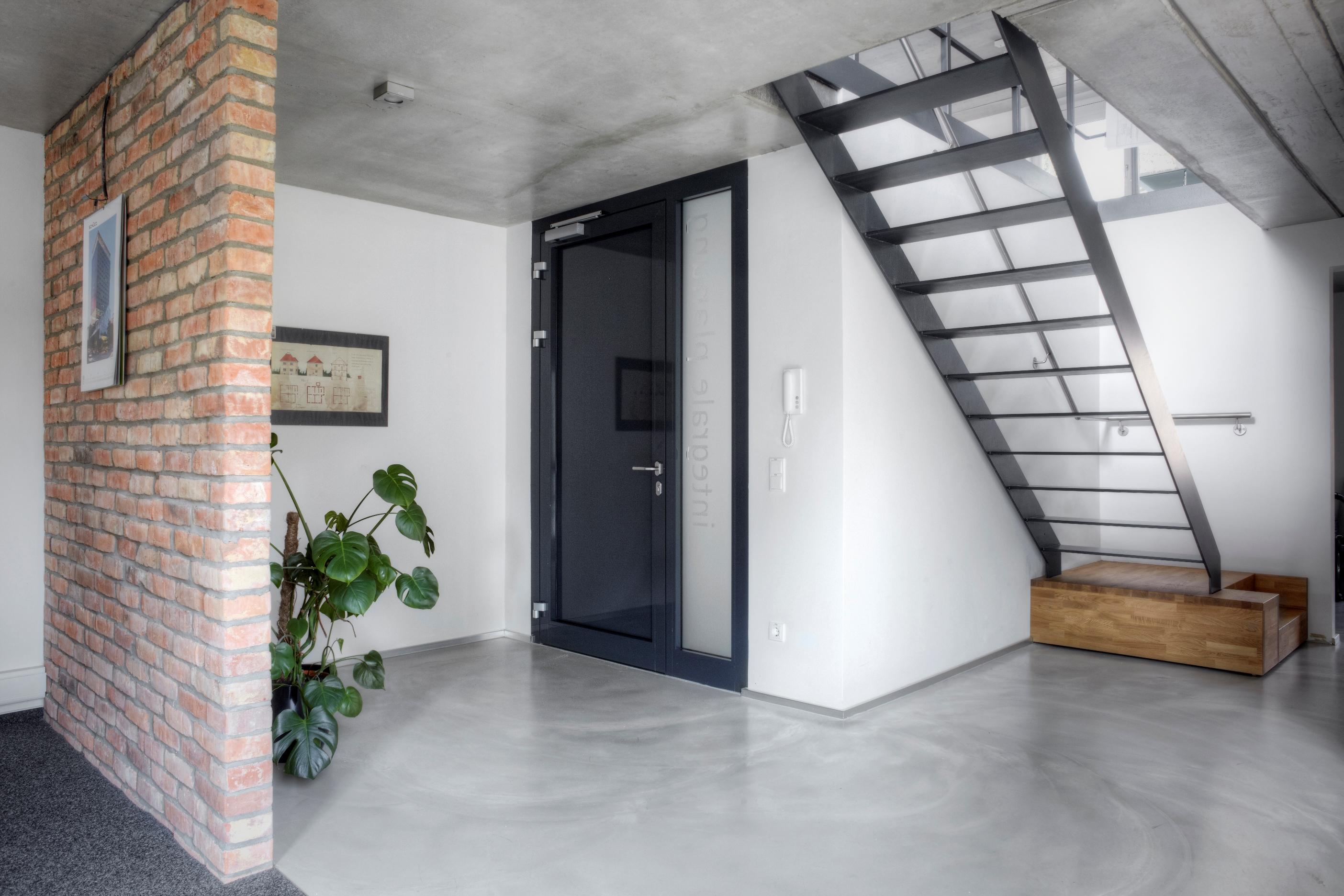 Wohnhaus mit Büromaisonette