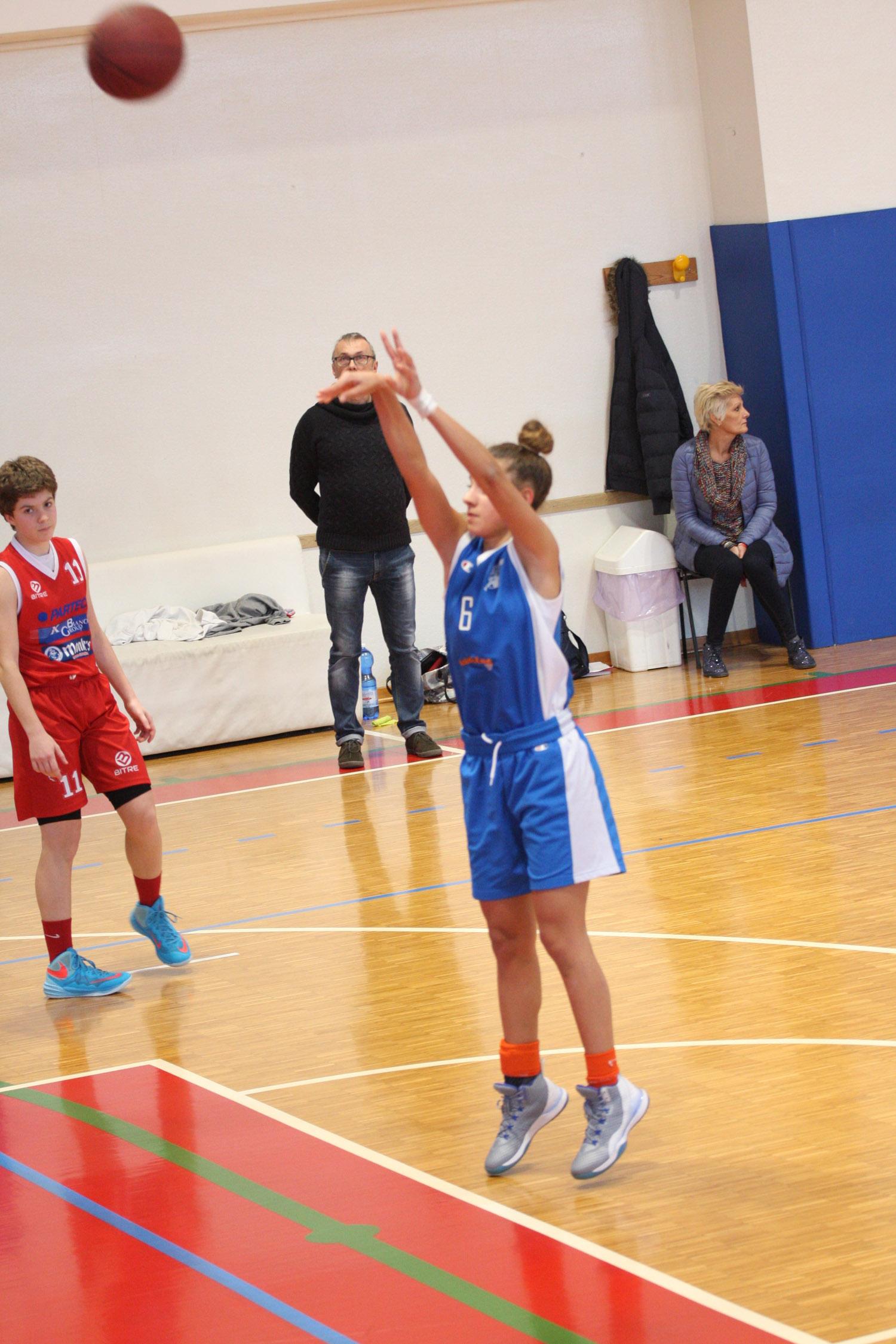 U16E - Costa Masnaga vs Baskettiamo Vittuone 2001 00011.jpg