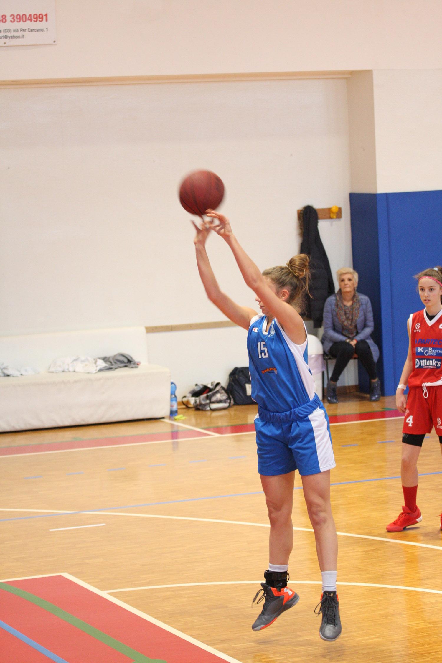 U16E - Costa Masnaga vs Baskettiamo Vittuone 2001 00019.jpg