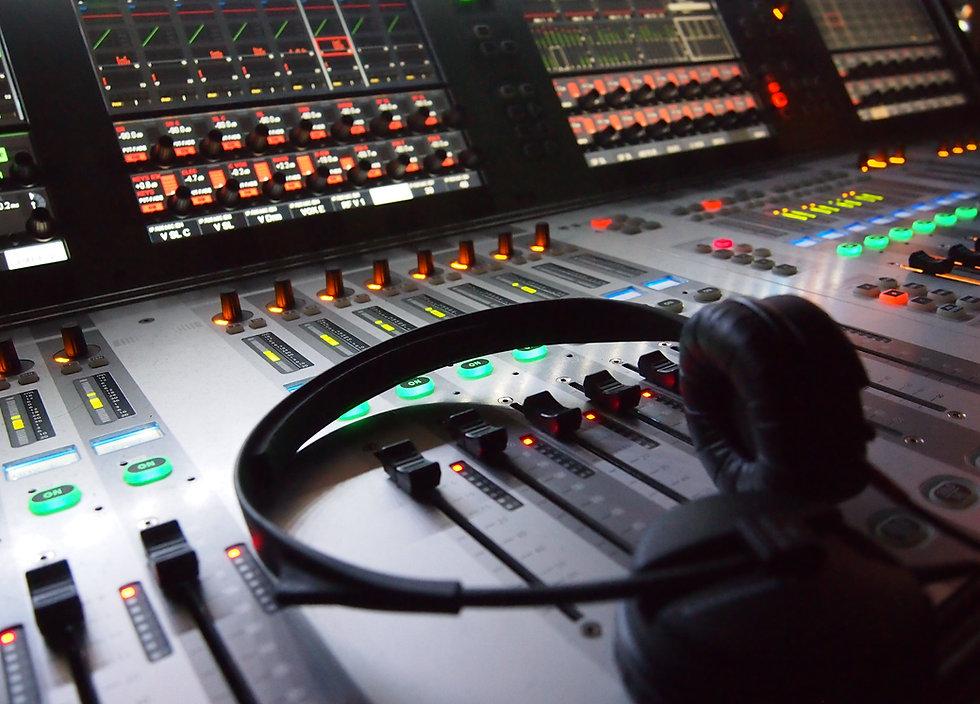 Sound Engineer, Live Sound, Studio