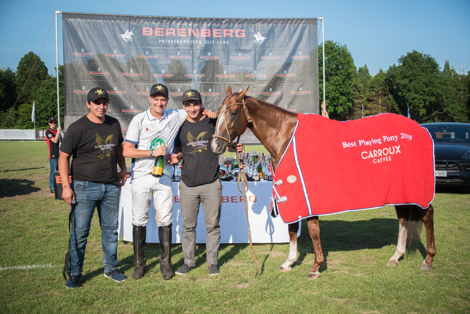 Best Playing Pony Hamburg, TAITA NISSAN