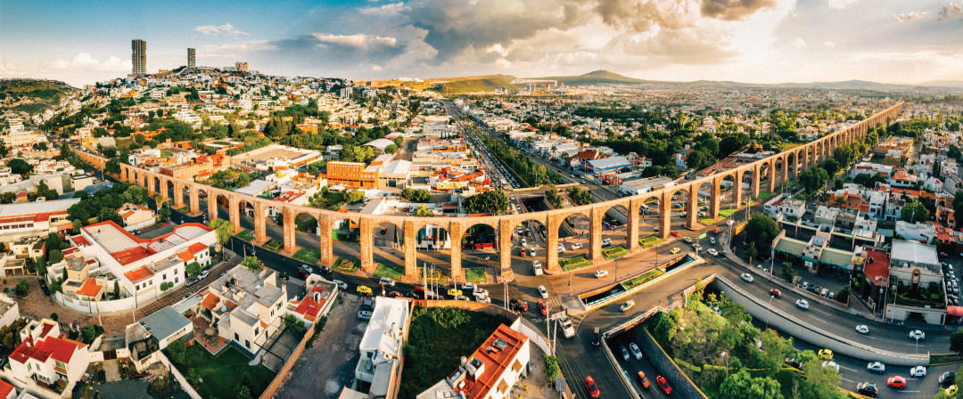 1216-mexico-feature-queretaro-aqueduct_v