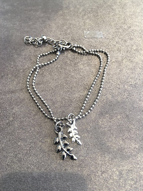 A1-81 Two Leaf Bracelet