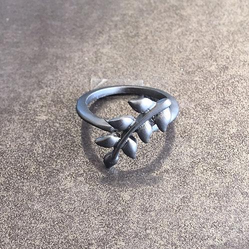 A1-82 Leaf Ring