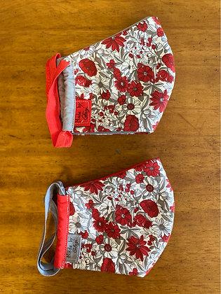 """Masque en tissu """"fleurs rouge souris"""""""